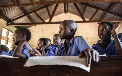 La educación: una vía difícil de transitar en Uganda