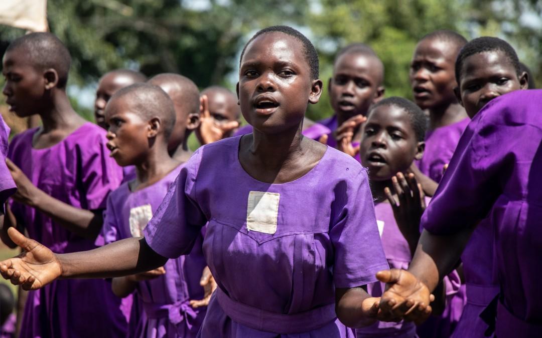 Nacer niña en Uganda – Being born a girl in Uganda