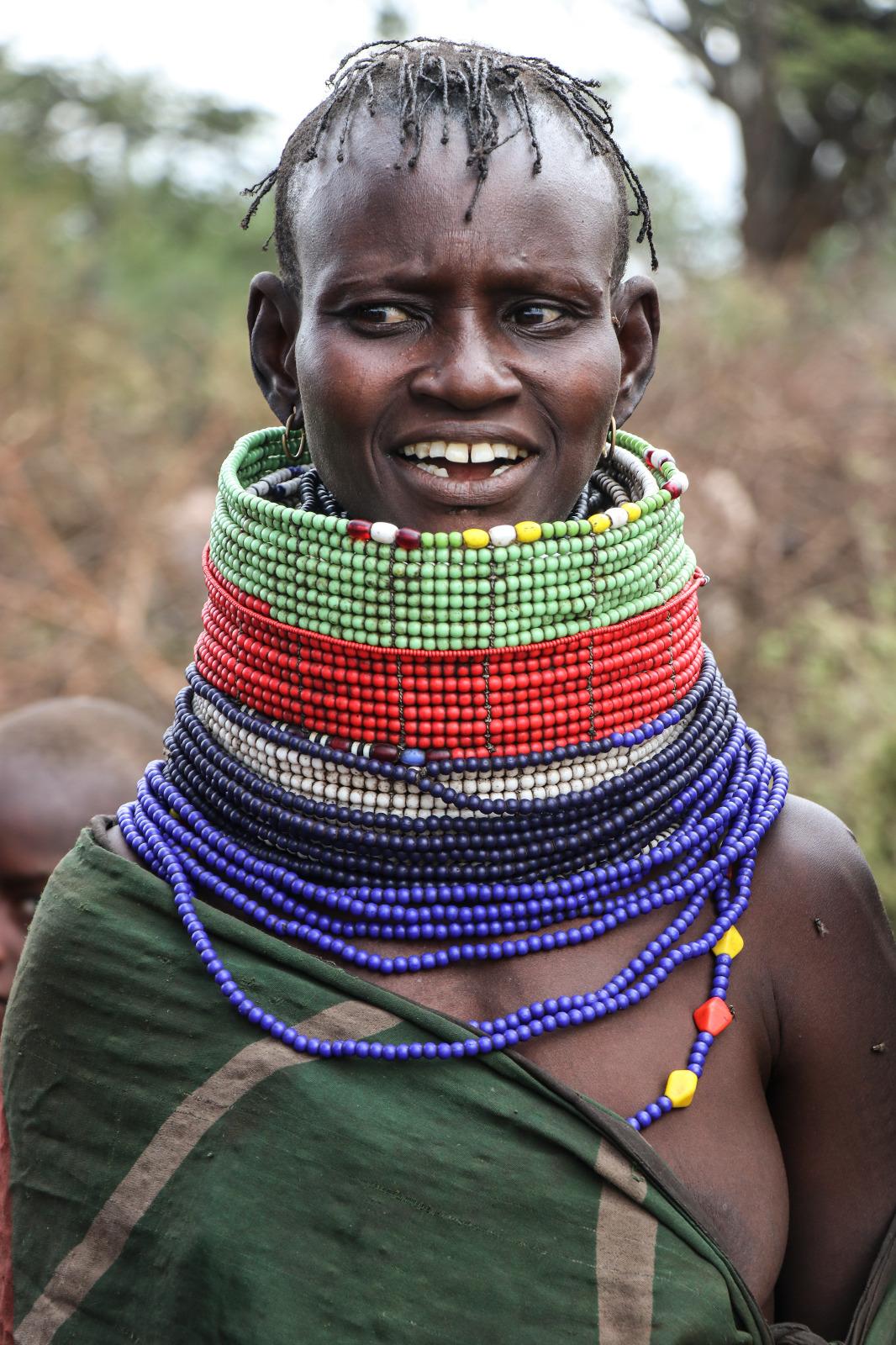 Mujer de la tribu nómada Turkana, originaria de Kenia y que también se encuentra en territorios ugandeses.