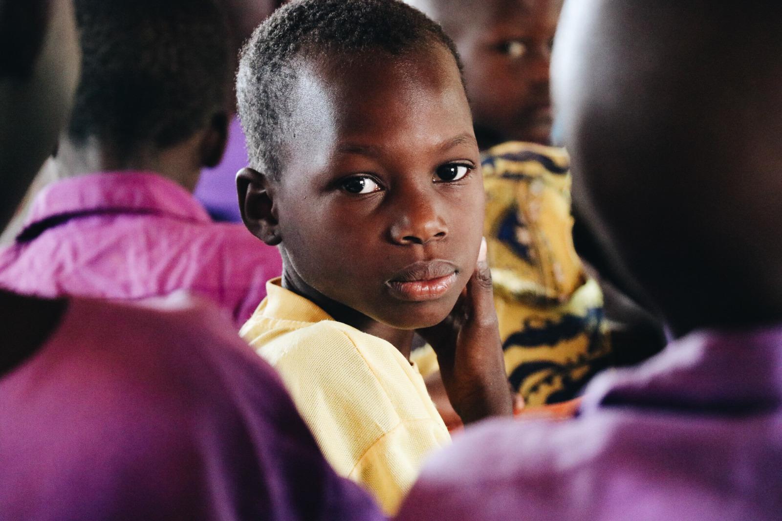 Estudiante de las escuelas del proyecto Smiles for Luuka.