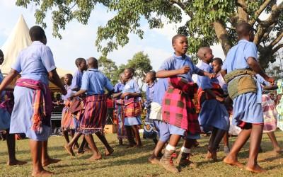 ¿Crees que el arte es una parte fundamental para la cultura y población ugandesa?